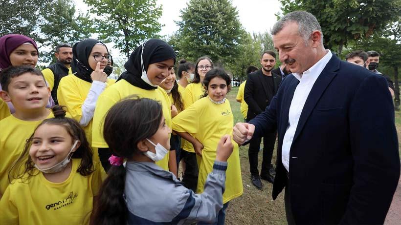 """Başkan Büyükakın, """"Gençler ülkemizin asıl gücü, dünyanın da vicdanıdır"""""""