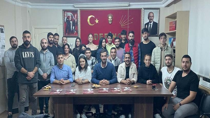 CHP Derince'de gençler toplandı