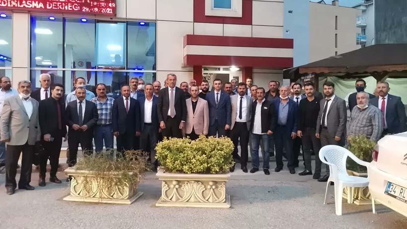 MHP Derince'yi adım adım gezdi
