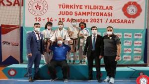 Büyükşehir Kağıtsporlu judocular gelecek için umut verdi