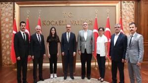 Vali Yavuz, LGS'den 500 Tam Puan Alan Elif Seçkin'i Ödüllendirdi